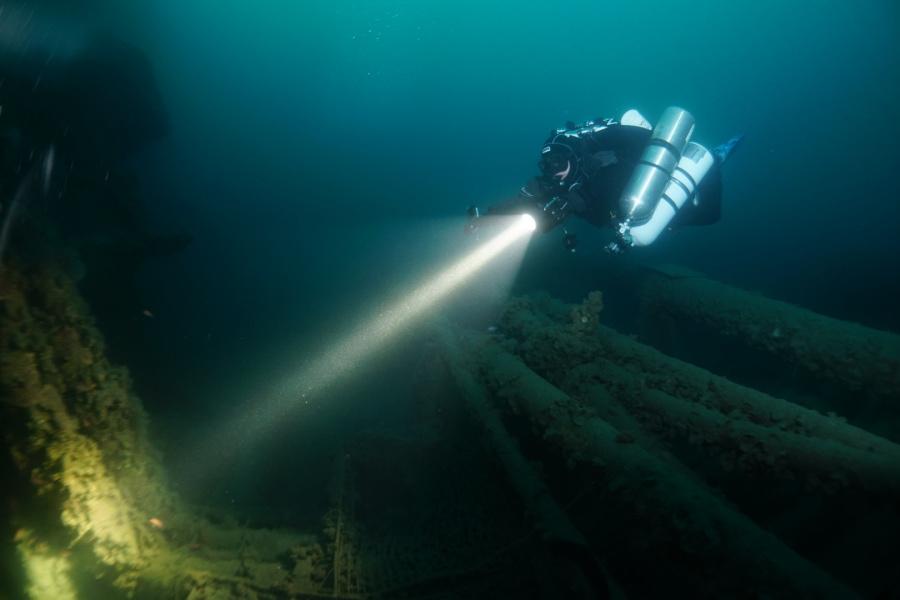 Technisch patd in h e aven wracktauchen an der vlcc haven riviera di ponente italien - Tech dive arenzano ...